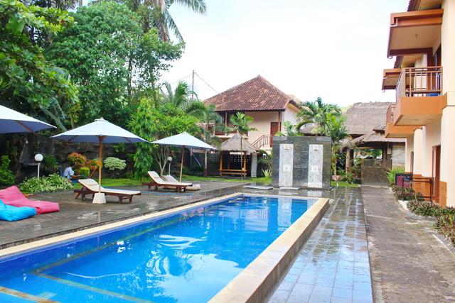 kolam renang melati resort