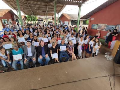 Dr. Neidson entrega Voto de Louvor a funcionários de escolas estaduais de Pimenta Bueno e Cacoal