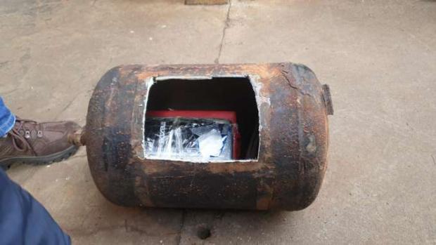 Cocaína é apreendida em tambor de ar pela Receita Federal de Foz do Iguaçu