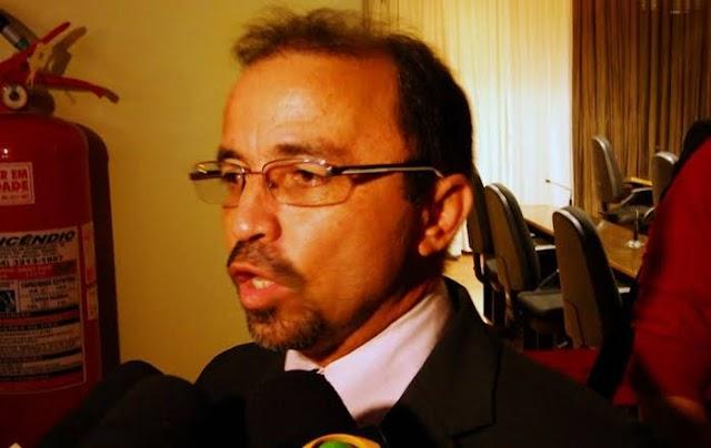 POLITICAGEM: EMPRESA NÃO PAGA TERCEIRIZADOS E DEPUTADO FAZ PROTESTO NA SEMTAS