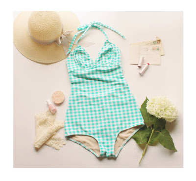 https://www.etsy.com/fr/listing/195972519/vintage-style-one-piece-bathingsuit?ref=shop_home_active_16&zanpid=2327373534932169728&utm_medium=affiliate&utm_source=zanox&utm_campaign=row_buyer&utm_content=977275