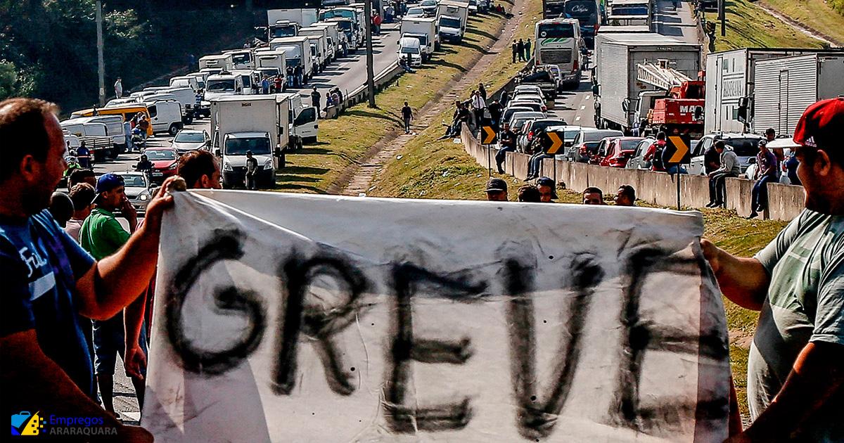 """Caminhoneiros vão parar: """"não aguentamos mais ser enganados pelo senhor Jair Messias Bolsonaro"""""""