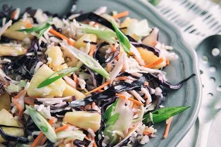 salada-de-repolho-com-abacaxi