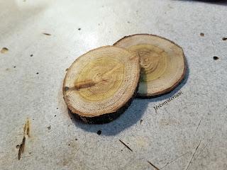 Rondin de bois pour fabrication d'un pendentif du Witcher