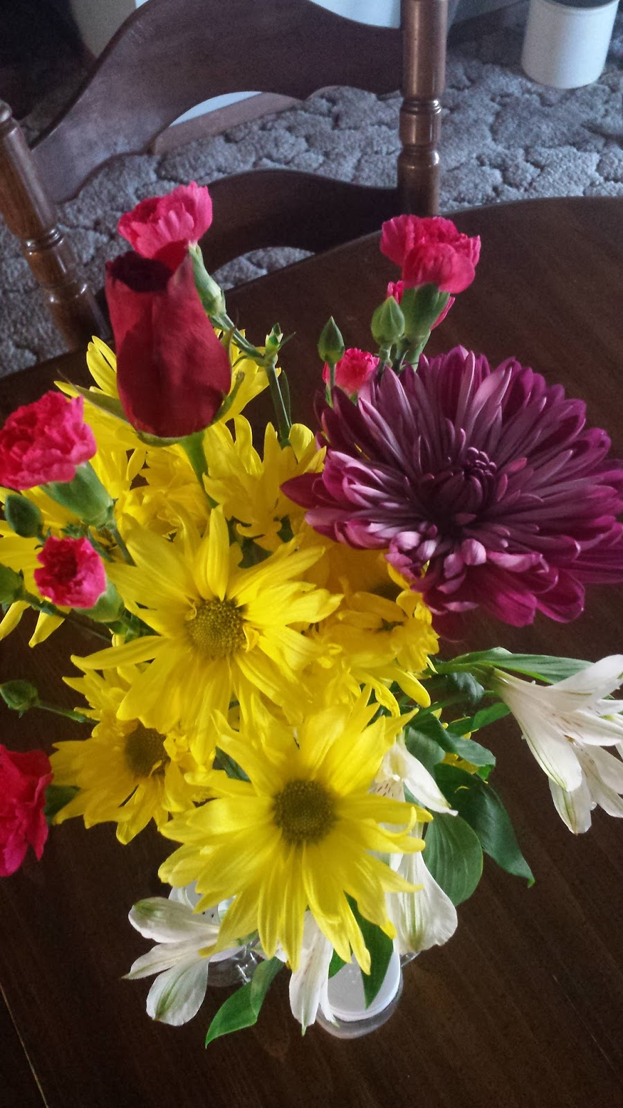 Srkindredspirits 10 ways to keep your home and soul refreshed aldi and many other stores have cheap flowers take them home cut the ends arrange them and you have fresh flowers it is very worthwhile izmirmasajfo