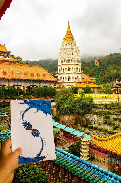 Kek lok Si, Malasia, Penang, historia, novela, viajes en el tiempo, el retroceso, sureste asiático