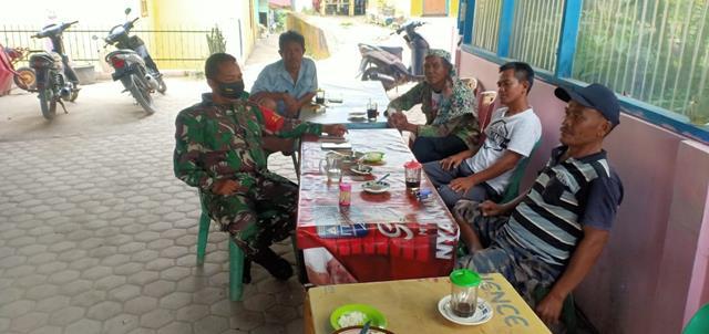 Datangi Warga Binaan Diwarung, Personel Jajaran Kodim 0207/Simalungun Himbau Agar Patuhi Protokol Kesehatan