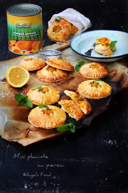 Articole culinare : Mini placinte cu piersici Sun Food