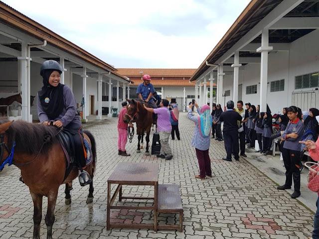Taman Ekuestrian Putrajaya - Pengalaman Menunggang Kuda Stable Tour
