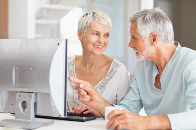 Τα αναδρομικά και οι παγίδες για συνταξιούχους που εργάζονται (ΠΙΝΑΚΑΣ)