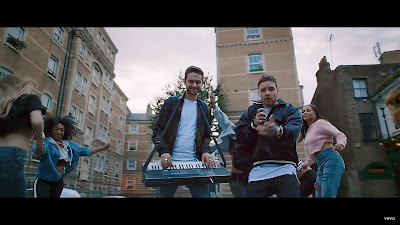 Zedd , Liam Payne - Get Low (Street Video)