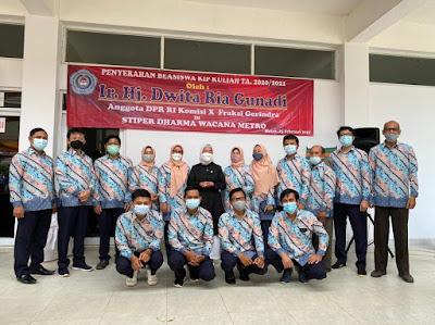Dwita Ria Serahkan Beasiswa dan Resmikan Gedung Perkuliahan di Kampus Dharmawacana Metro