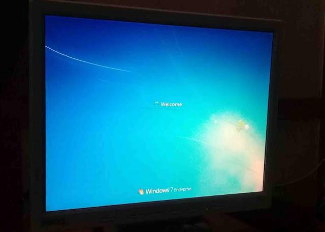 Masalah Monitor LCD Komputer Berkedip – Kedip