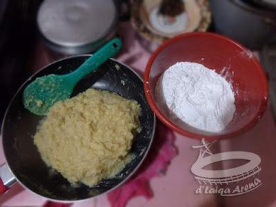 tambahkan tepung tapioka