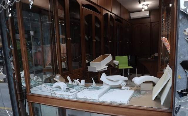 Μετά από μεθοδική έρευνα κατάφεραν οι αστυνομικοί του Τμήματος Ασφάλειας Βέροιας να εξιχνιάσουν κλοπή από κοσμηματοπωλείο που έγινε πριν από 4 χρόνια στην Βέροια