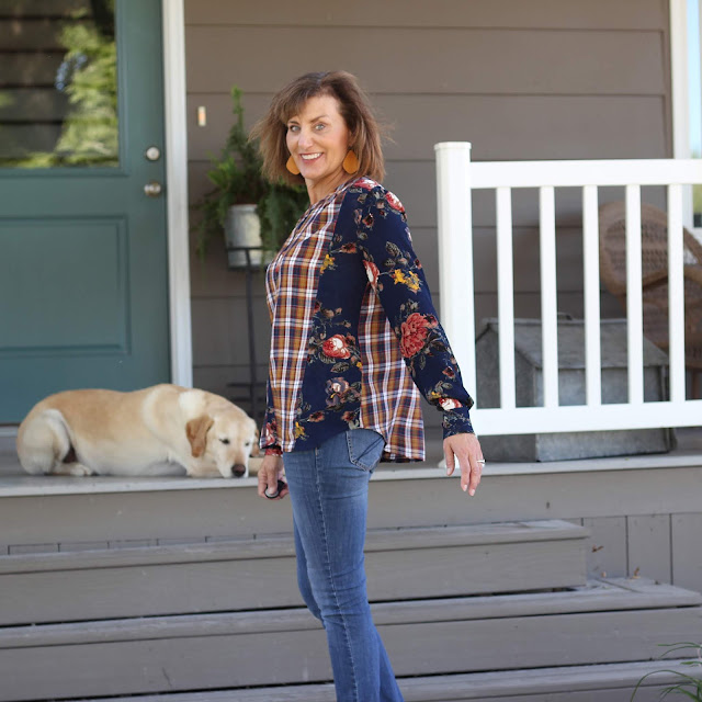 Style Maker Fabrics' Fall Blog tour - 2018 using Style Maker Fabrics' Floral Rayon Crepe and Rayon Plaid Shirting for Vogue 9086 - floral fabric for side