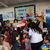 Zé Felipe distribui brinquedos para crianças em Goianápolis