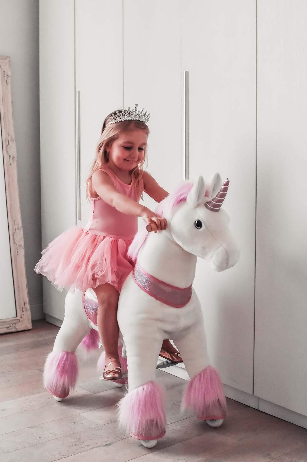 unicorno gigante