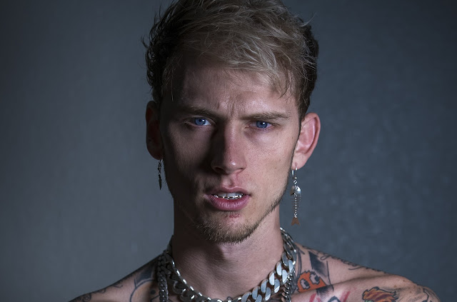 MACHINE GUN KELLY TO PLAY TOMMY LEE IN MOTLEY CRUE BIOPIC