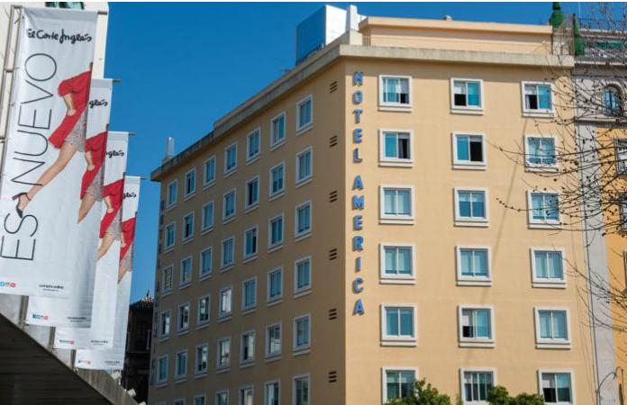 Hotel América frente al Corte Inglés del Duque