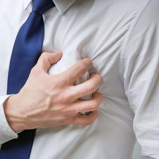 Regurgitasi trikuspid terjadi ketika katup trikuspid tidak menutup sepenuhnya dan darah bocor kembali dari ventrikel kanan ke atrium kanan selama sistol.
