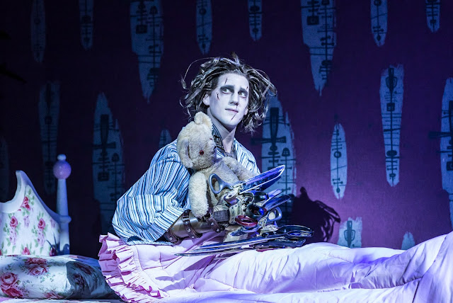 Matthew Bourne: Edward Scissorhands - Dominic North (Photo Johan Persson)