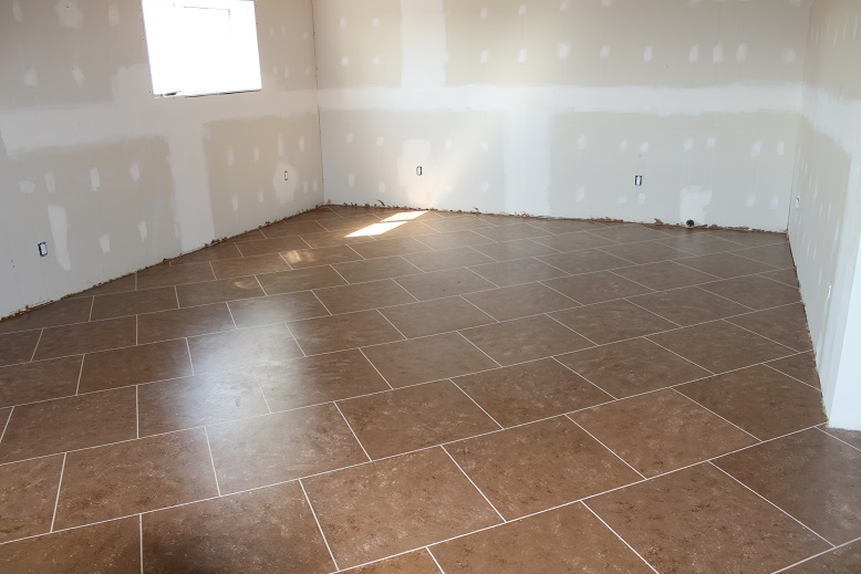 MANITOBA GARDENS Faux Painting A Concrete Floor - Clear coat for tile floors