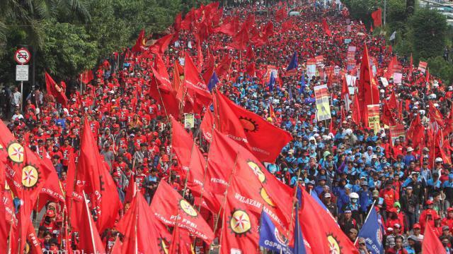 Aksi Demo May Day di Istana Negara dan MK, Ini Tuntutan Massa Buruh