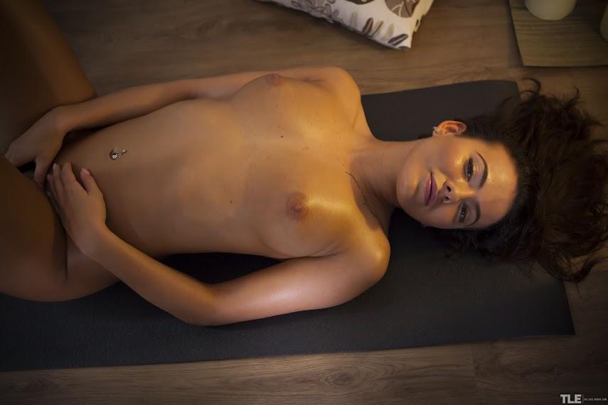 [TheLifeErotic] Vanessa Decker - Body Heat