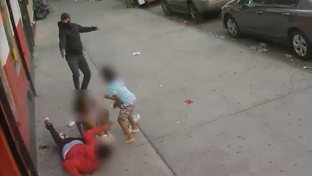 Atirador abre fogo contra homem ao lado de crianças em Nova York