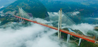 Com 565 metros acima de rio, China inaugura ponte mais alta do mundo
