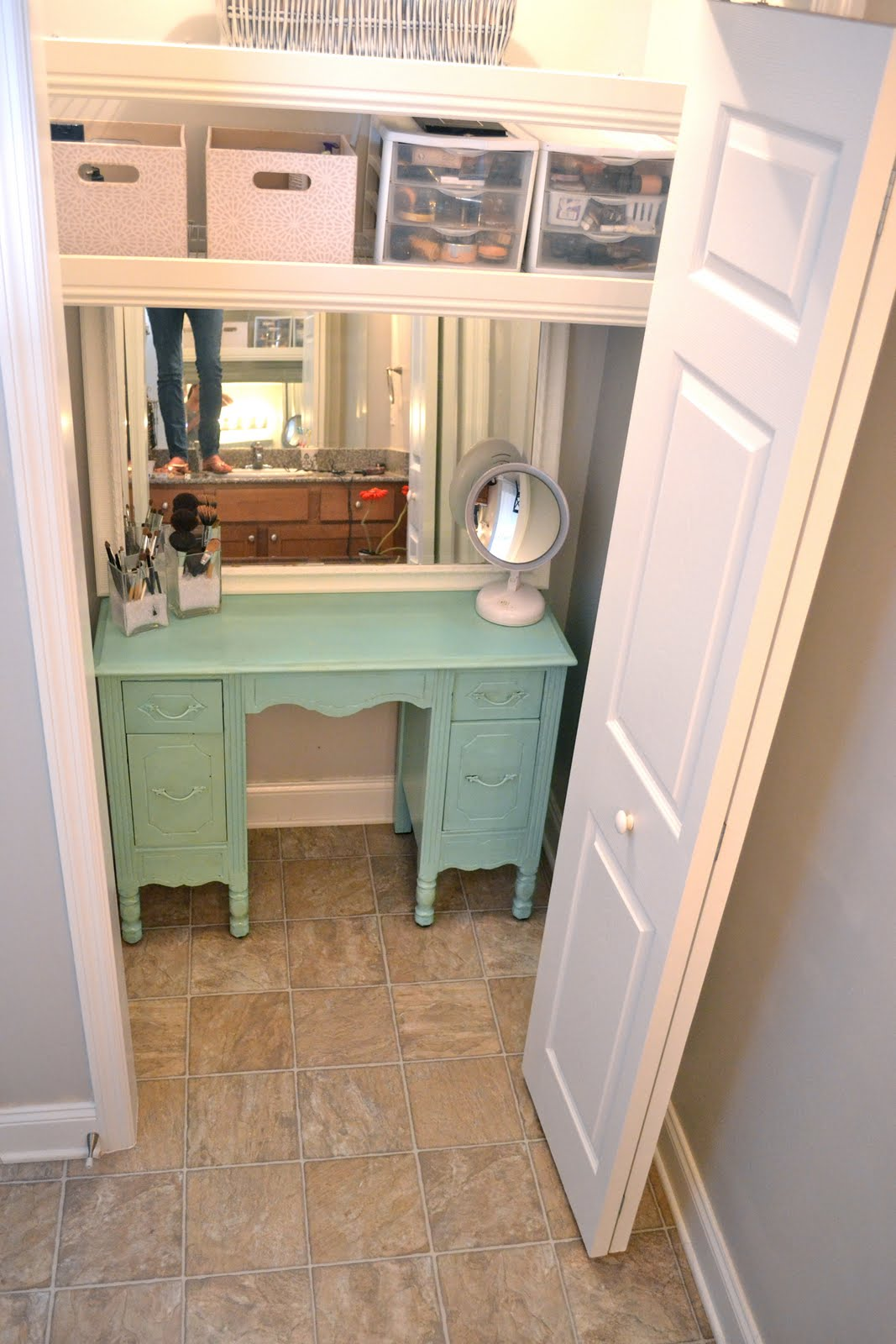 This Is The Vanity As You Have Seen In My Past Post HERE U0026 The Mirror That  I Re Did HERE. No All I Need Is To Find A Cute Vanity Chair For My Vanity  Closet.