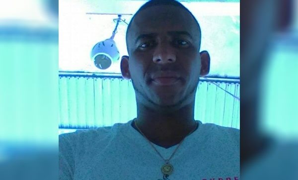 Haitiano mocha mano a dominicano en Arenoso