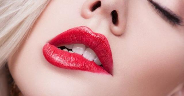 Ingin Punya Bibir Seksi Menggoda ? ini tips nya