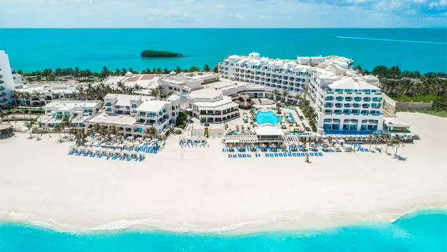 Smack center in Cancun's legendary Hotel Zone, all-inclusive and family-friendly Panama Jack Resorts Cancun is a picture-perfect escape packed with unlimited fun in the sun for guests of all ages.