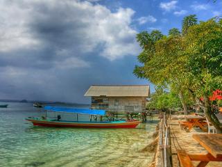 Wisata Lampung - 4 (Empat)  Wisata Pantai Populer Di Lampung , Pantai Mutun Salah Satunya