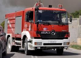 Συμβαίνει ΤΩΡΑ: Φωτιά άρπαξε η σκεπή στο «Ρεμέτζο» στη Γιάννουλη