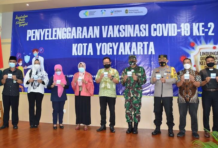 Pejabat Kota Yogya Disuntik Lagi Vaksin Covid-19 Dosis Kedua