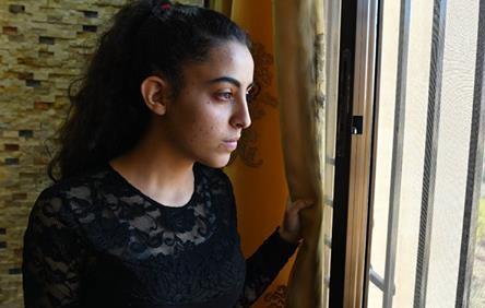 """حنين الجباعي..يافعة سورية رمت بنفسها في خزان المياه لتنجو من """"داعش"""" في السويداء"""