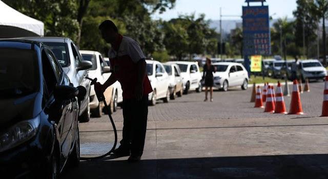 Preço do litro da gasolina já alcança R$ 7 em três Estados brasileiros