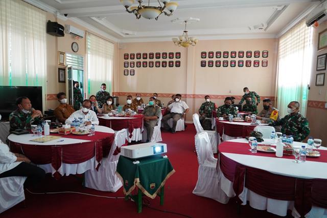 Danrem 022/PT Pimpin Rapat Forkopimda Dalam Rangka PPKM Level 4 Di Wilayah Kota Pematang Siantar Dan Kab. Simalungun