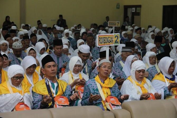 Berangkat, 393 Calon Jemaah Haji Kloter 1 Bengkulu