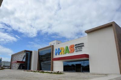 """Em Delmiro Gouveia; """"Fila de espera por tomografias no Hospital Regional do Alto Sertão deve ser zerada até outubro"""", diz secretário Alexandre Ayres"""