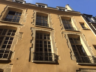 Rue Aubriot mansion 75004