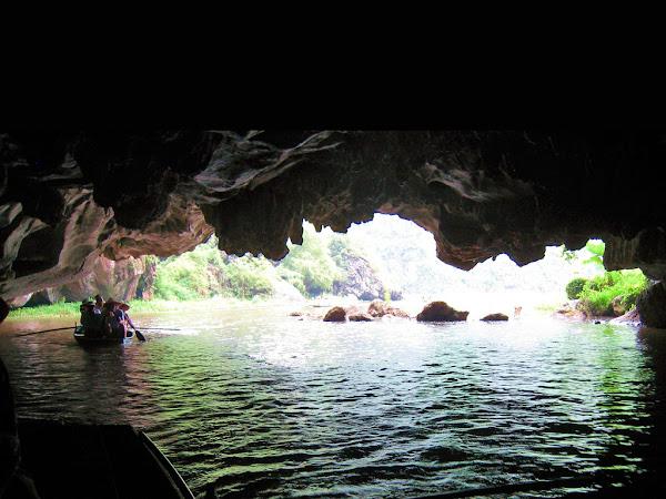 Interior de las cuevas de Tam Coc