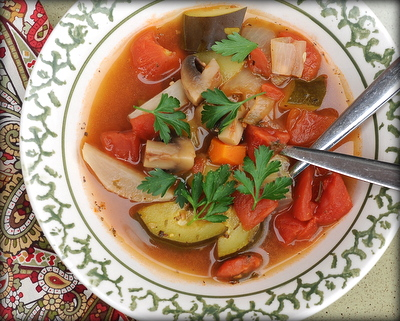 Low Fat Vegetable Soup ♥ KitchenParade.com, all-vegetable soup, packed with flavor, no added fat, lots like the famous Weight Watchers Zero-Point Soup. Low Carb. Whole30. Gluten Free. Vegan. Weight Watchers Friendly.