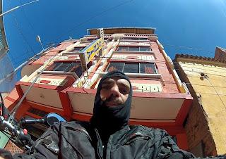 Deixando o hotel em Copacabana / Bolívia.