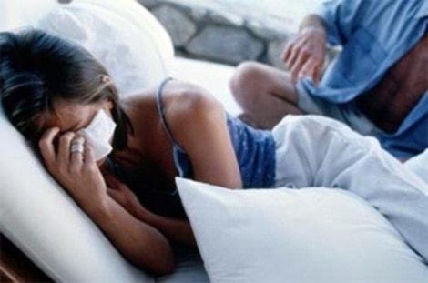 Phát sợ hãi vì chồng nghen tuông bệnh hoạn