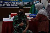 TNI AL Melakukan Serbuan Vaksinasi Kepada Masyarakat Maritim