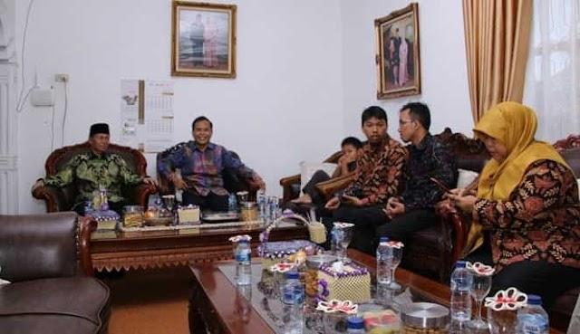 Starting Sensus Penduduk Online 2020 Serentak di Seluruh Indonesia, BPS Lampung Utara Kunjungi Rumah Dinas Plt. Bupati Lampung Utara